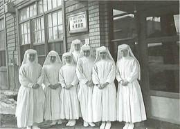 100_4_sisters.jpg